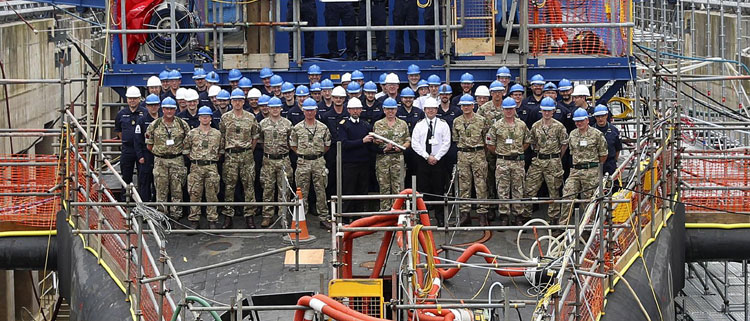 HMS Vanguard hosts Royal Artillery