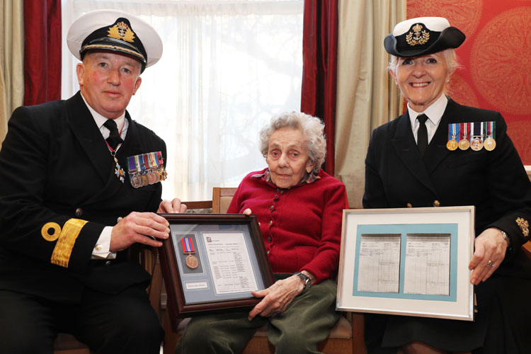 Pug Whitwell & WW2 Service Medal from Cdre Jamie Miller & Warrant Officer Barbara Mcgregor