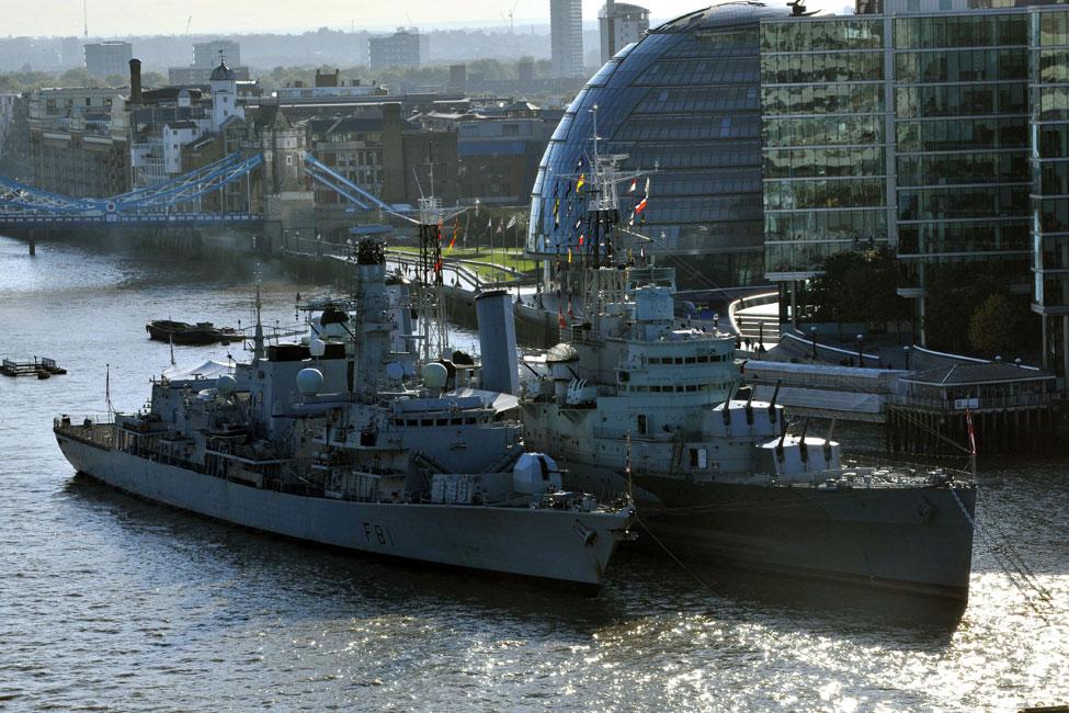 HMS Sutherland alongside HMS Belfast