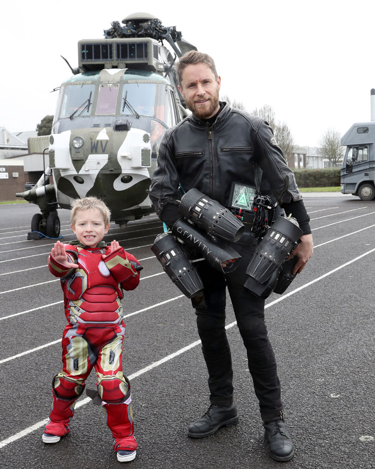 Real-life Iron Man grants boy wish
