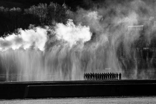 HMS Victorious Cold Move