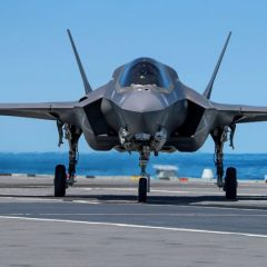 F-35 jets mark first landing on HMS Queen Elizabeth