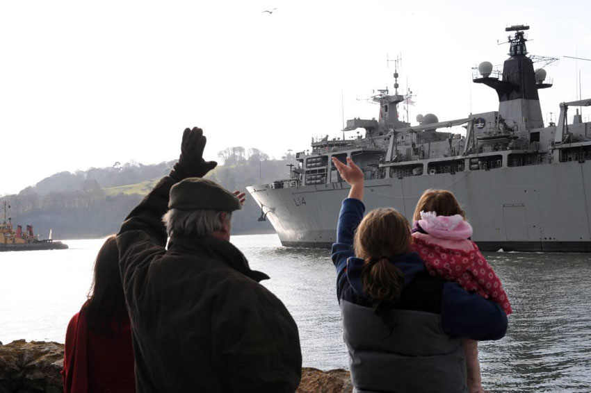 Royal Navy amphibious force sails for Norway