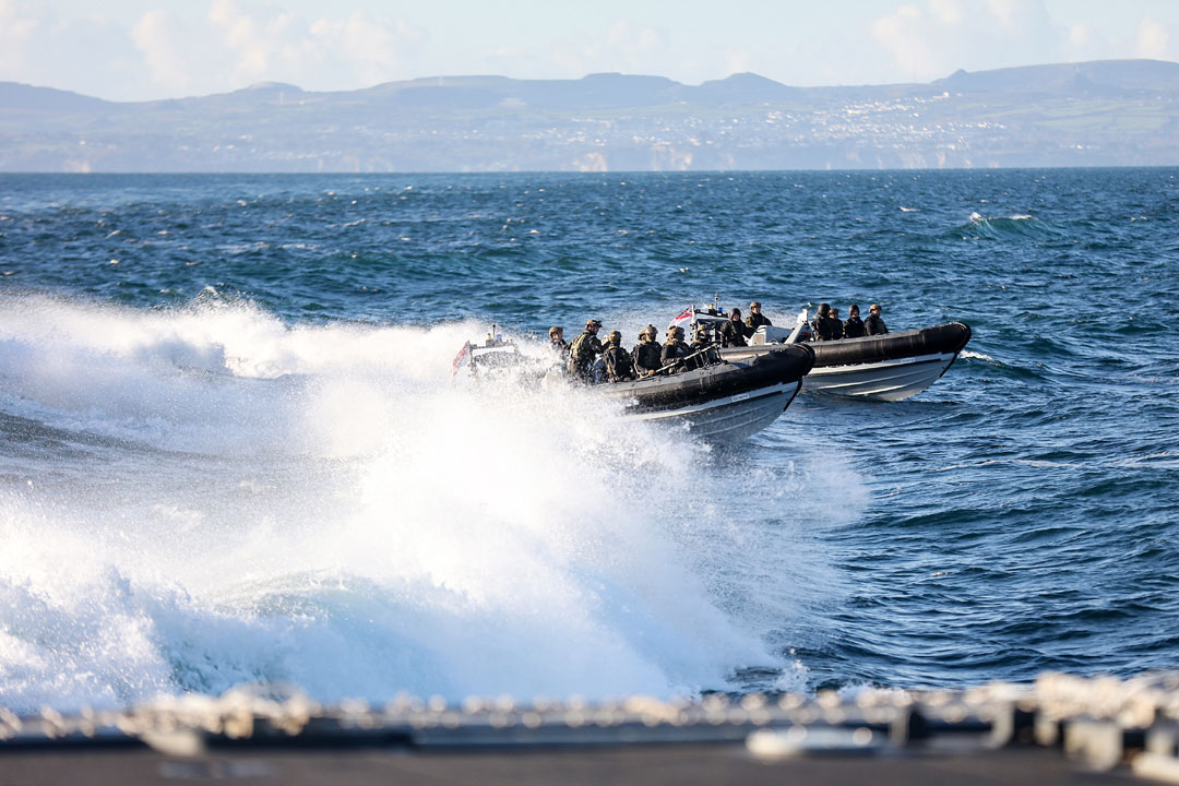 Patrol ship Tamar completes board and search training with Commandos