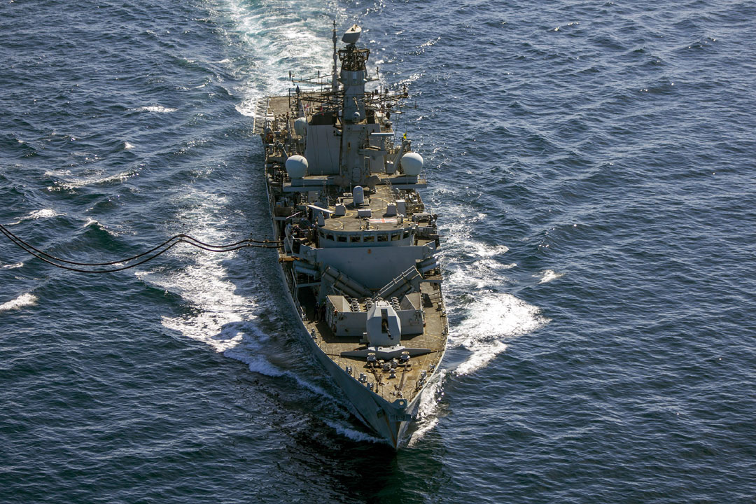 HMS Montrose seen from above refuelling from the USNS Big Horn