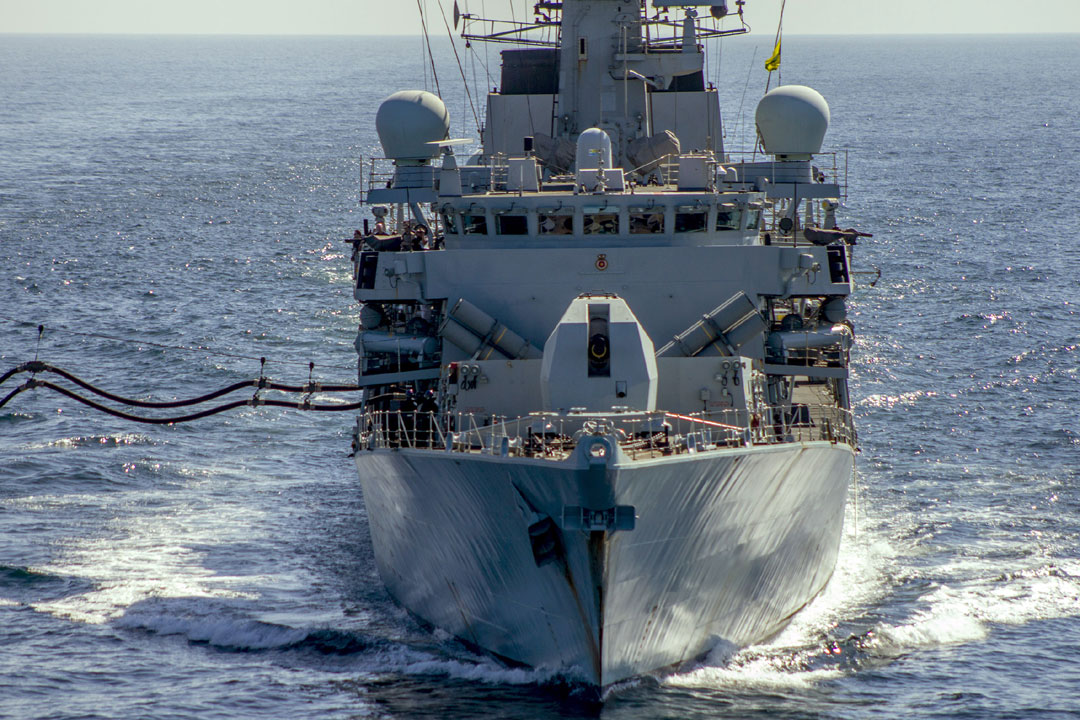 A bow shot of HMS Montrose while refuelling from USNS Big Horn
