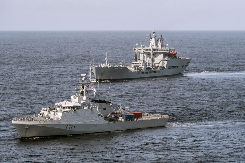 HMS Medway with RFA Wave Knight