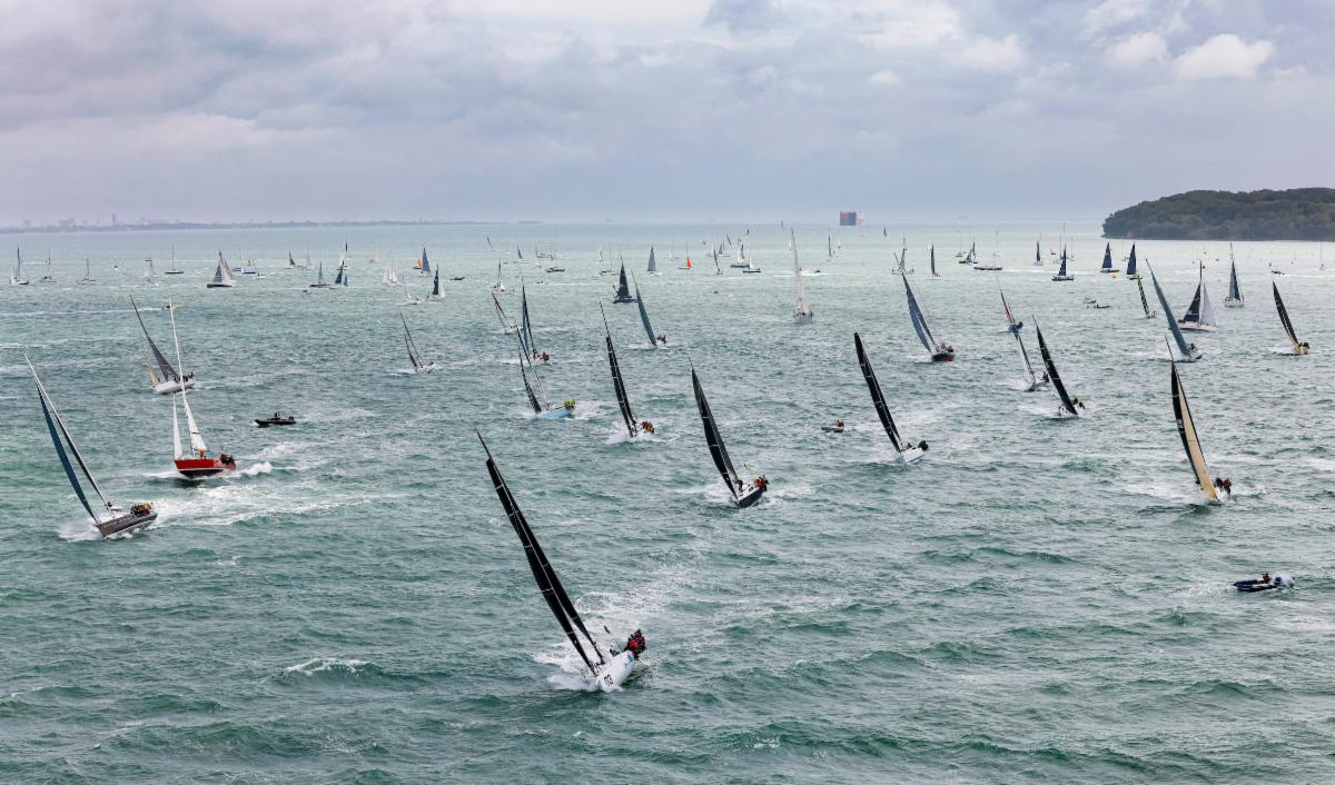 A fleet of 337 boats leave the Solent, bound for the Fastnet Rock in the 2021 Rolex Fastnet Race © Carlo Borlenghi Rolex